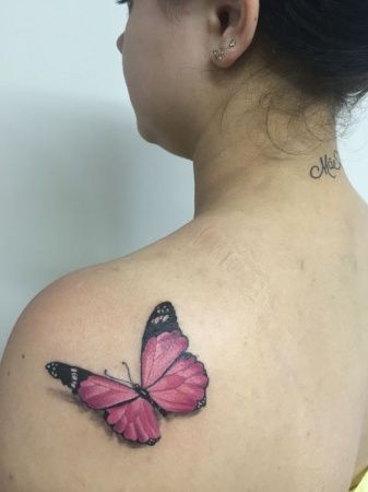 3д бабочка на плече