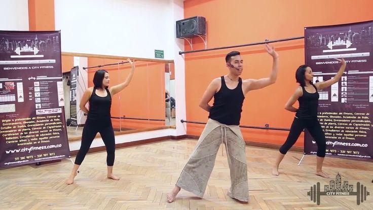 Con este vídeo podrás bajar de peso de forma divertida con Danza Arabe. Recuerda suscribirte para mas vídeos fitness bajar. nuestra app Cit Fitness Evolution...
