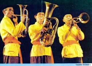 Tanjidor  is an art form Betawi orchestra. Art has been started since the 19th century. Musical instruments that are used usually consists of combining musical instruments brass, strings and percussion instruments.