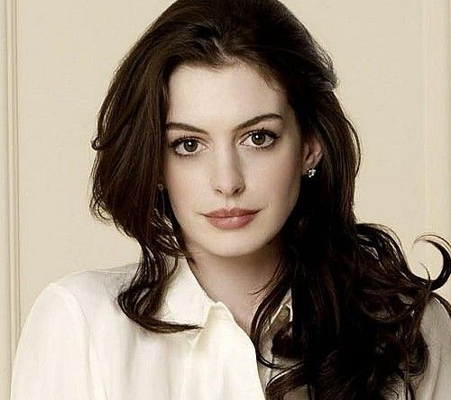 Anne Hathaway People: Anne Hathaway. One Of The Prettiest Celebrities.
