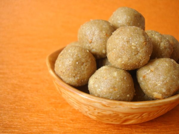 Sesame seeds Laddu - Healthy dessert with two ingredients, white ...