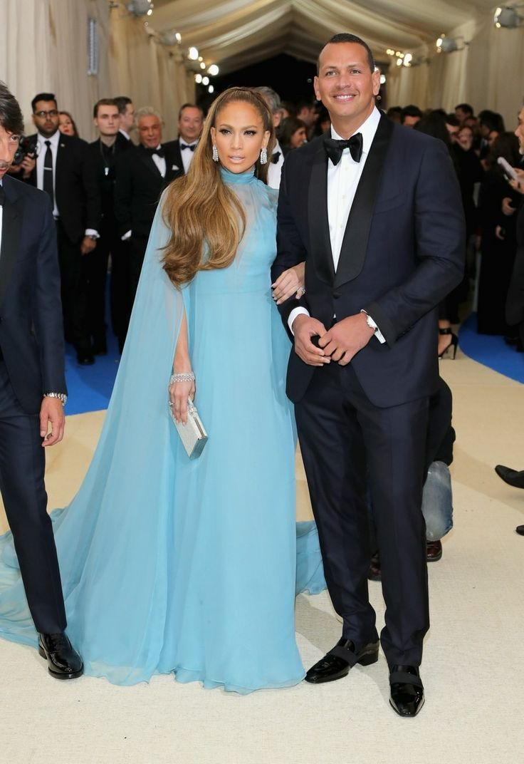 Jennifer Lopez and Alexander Rodriguez at the Met Gala 2017. #vogue #thefirstofmay