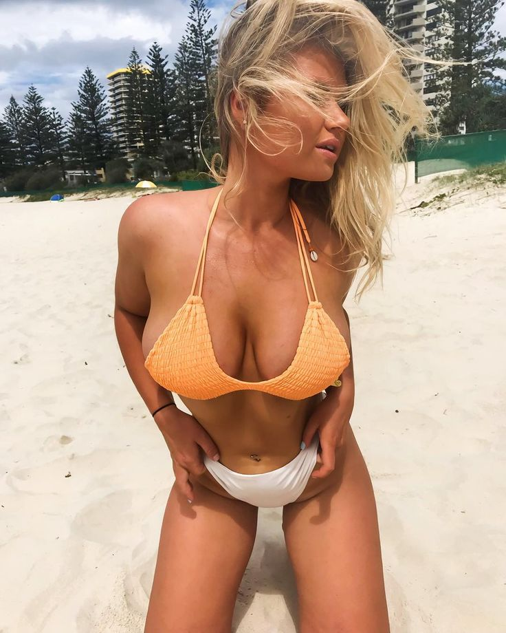 Mädchen nackt strand