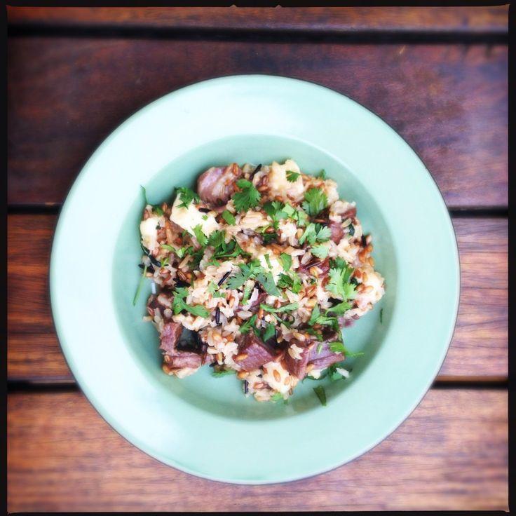 Carne de sol e capivara.   http://comalaemcasa.com.br/2014/10/carne-de-sol-e-capivara/