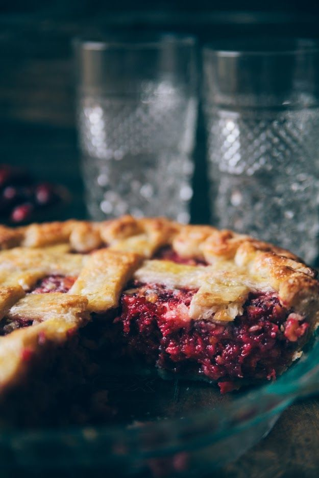 Nothing but Delicious: Cranberry Relish PieRelish Pies Must, Desserts Ideas, Cranberries Relish, Dessert Ideas, Vodka Crusts, Food Photography, Beautiful Food, Cranberries Pies, Thanksgiving Desserts