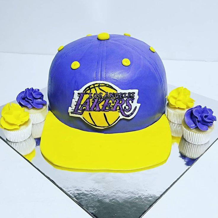 LA Lakers hat cake
