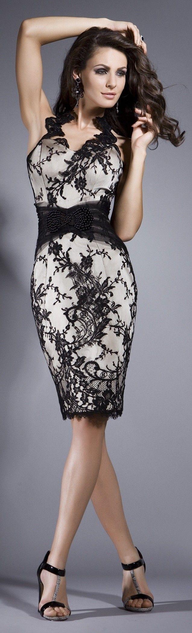 Vestido de encaje negro con falda lápiz