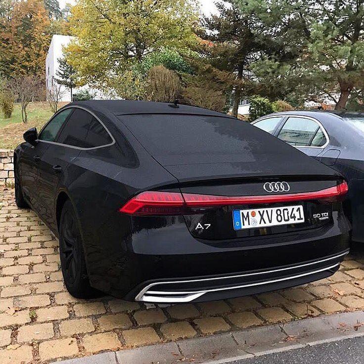 Schwarze Autos