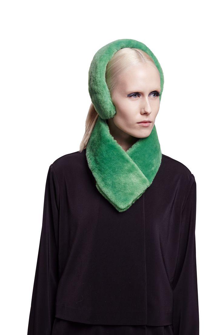 ONAR Cleo earmuff and Ofra collar in green