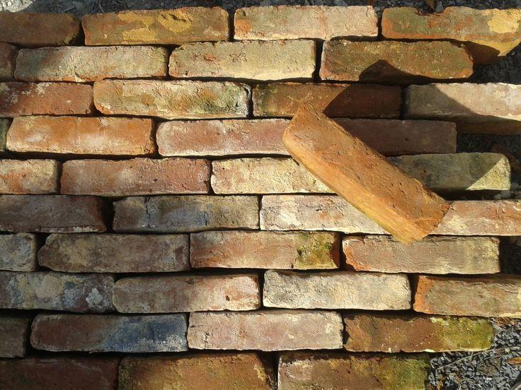 les 21 meilleures images du tableau brique ancienne reclaimed bricks sur pinterest. Black Bedroom Furniture Sets. Home Design Ideas