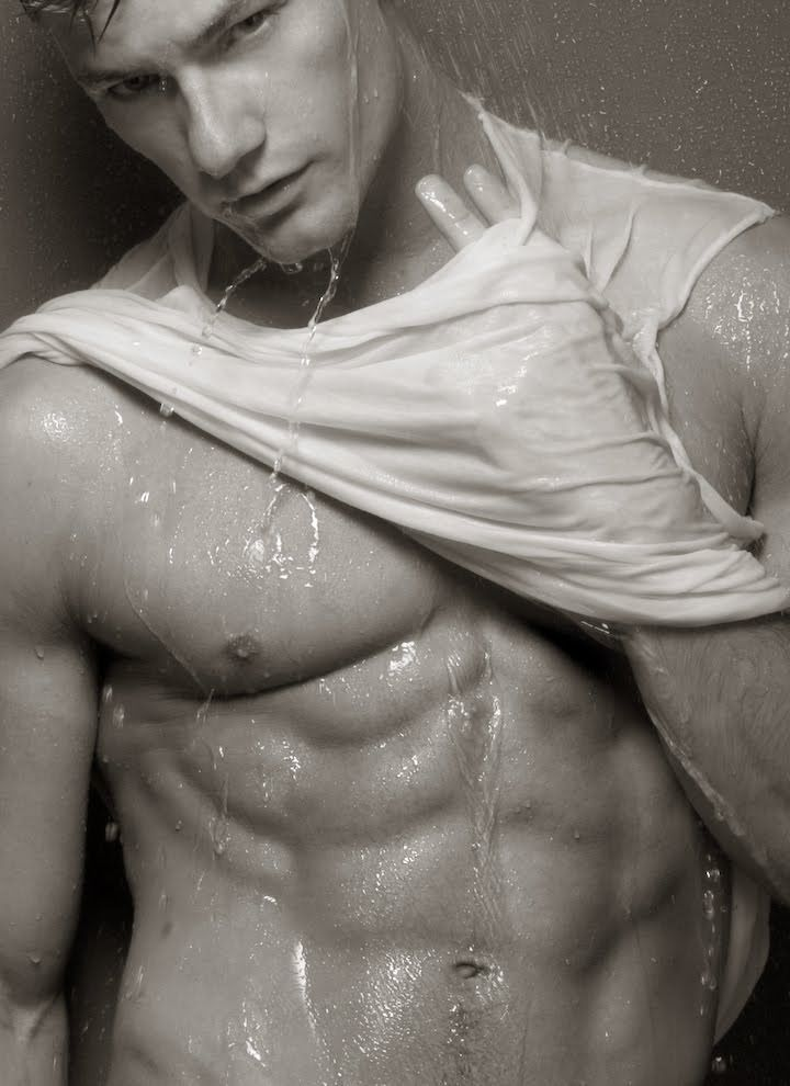 Wet Nude Men 107