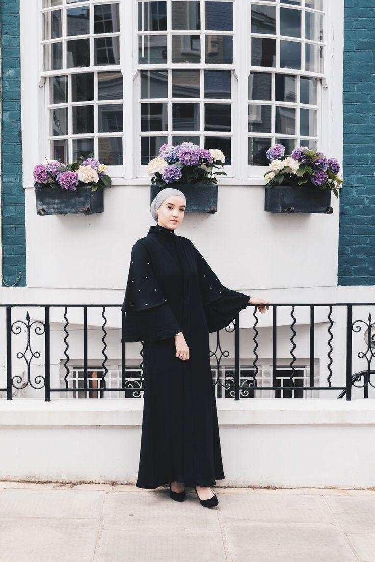 Noir bells  www.podur.co.uk #modestfashion #fashion #abaya #abayafashion #abayablogger