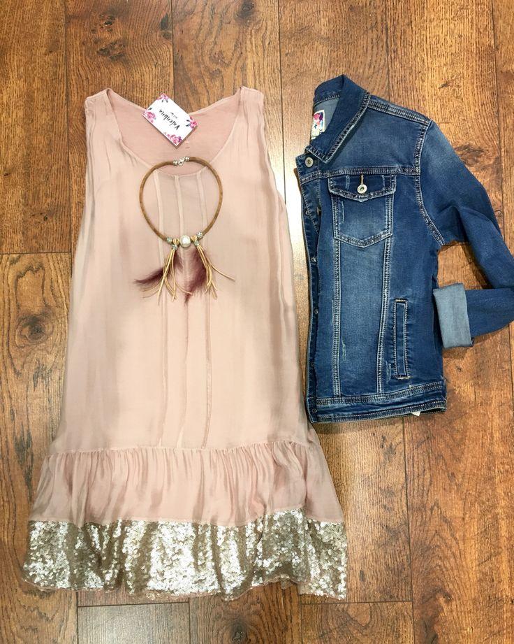 Total look moda mujer. Dress. Pink. Lentejuelas.