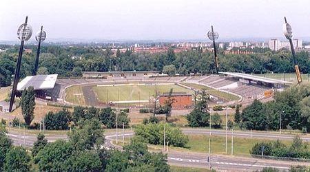 86-vsesportovni-stadion-hradec-kralove-580-250.jpg (450×250)