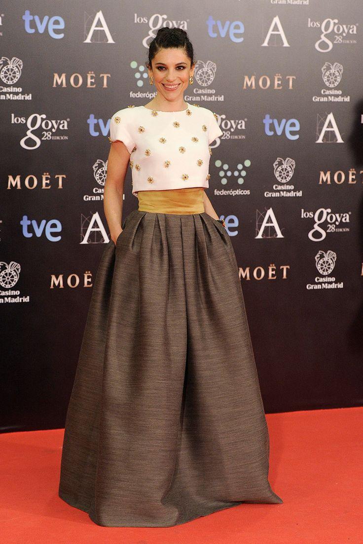 Irene Visedo, una de las más originales de la noche, con vestido de dos piezas que juega a la mezcla de texturas firmado por Tot-Hom