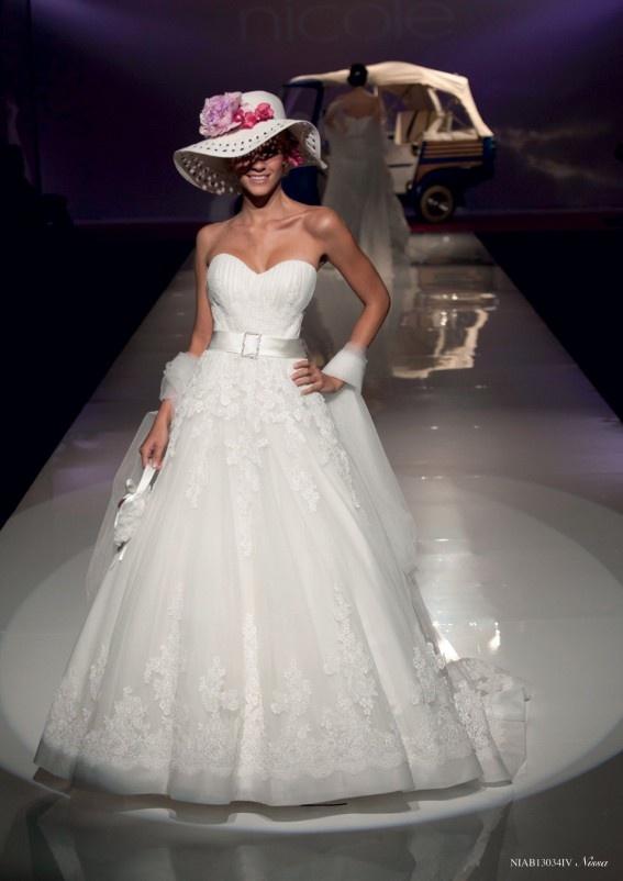 Collezione abiti da sposa #Nicole, abito da #sposa modello Nissa