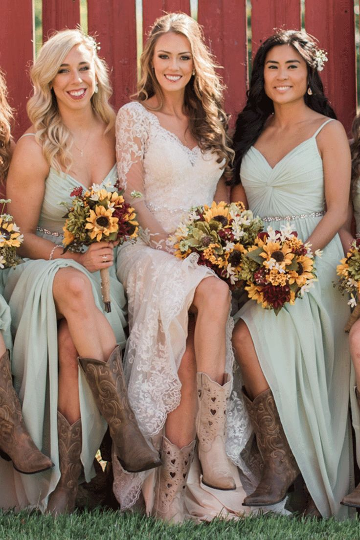 Oh my gosh! This wedding in Durango Boots is SO beautiful!
