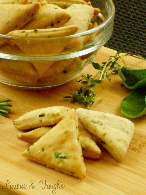 Herb salty biscuits