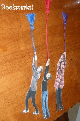 This is such a cute bookmark idea.  Have your kids pretend they are holding onto a rope and take their picture, print, cut out, and add tassle.