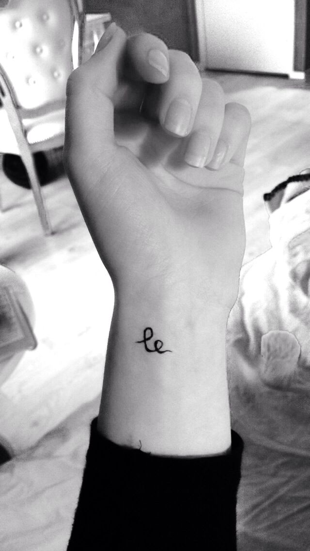 Le means smile in Swedish, happiness in Mandarin and laugh in Norwegian... A tattoo I actually like!