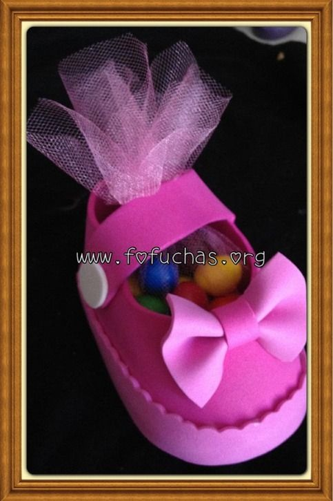 This Baby shower favor is completely handmade. Using foam sheets to make the shoe.They can be made any color. You can choose to add your favorite candy inside them or even marshmallows. If you want me to add them additional charge. I can make any quatity you may need just message me. thank you fo...