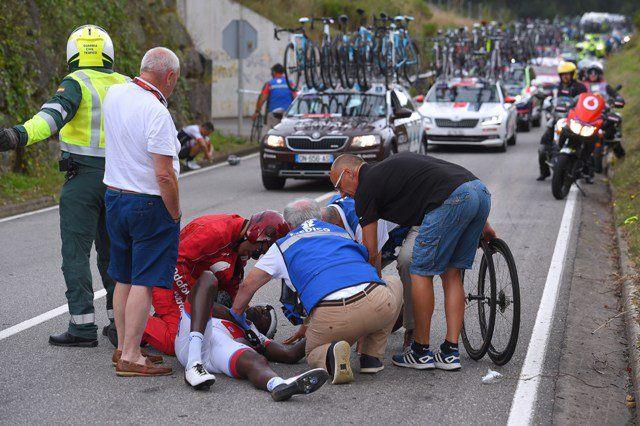 le Guadeloupéen Kevin Reza @KevReza sérieusement blessé lors du Tour d'Espagne 2106
