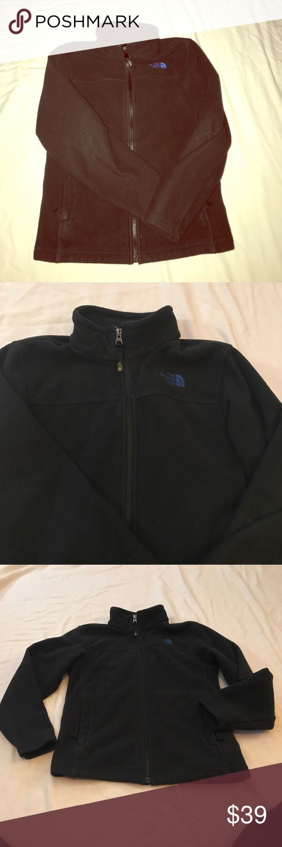 🎉Euc TNF fleece boys m jacket comfy warm 🎉 Great winter mist for your little one TNF black fleece coat purchased from north face outlet in castle rock Co in great condition hardly signs of wear offers welcome 😄 North Face Jackets & Coats