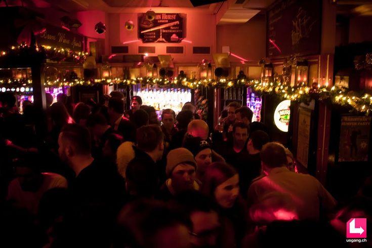 Die Bildergalerie mit den besten Partyfotos zum Event Zürich Pub Crawl, 08.12.2016, Paradeplatz Zürich findest du auf usgang.ch @ http://zuerich.usgang.ch/picture.php/thumbnails?n=708980&p=5084623