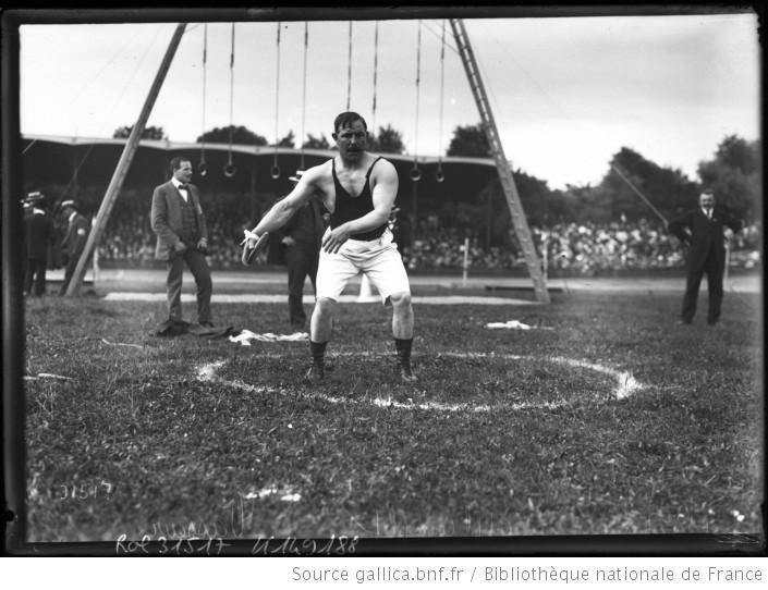 14-7-13, Vincennes, [concours de] l'athlète complet, Vasseur [au lancer du disque] : [photographie de presse] / [Agence Rol] - 1