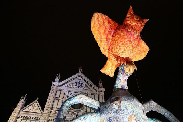 Plasticiens Volants in piazza Santa Croce