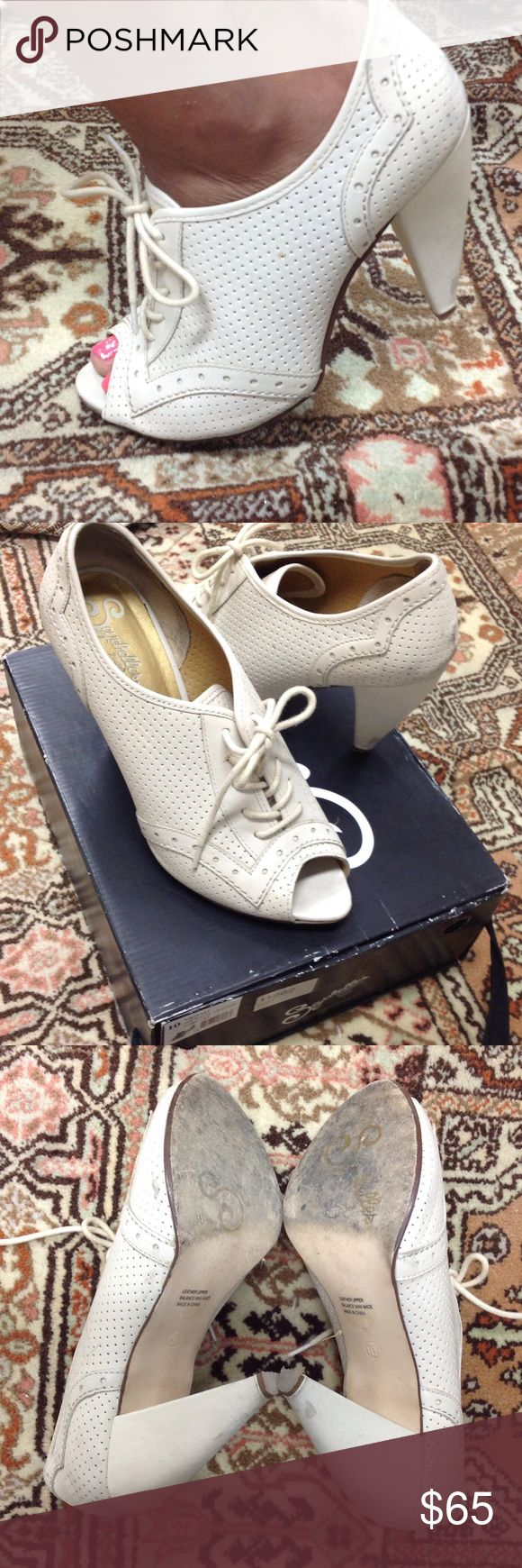 Seychelles off white leather pep toe bootie Seychelles off white leather Dorothy. Some wear but in excellent condition. Box included. Seychelles Shoes Ankle Boots & Booties
