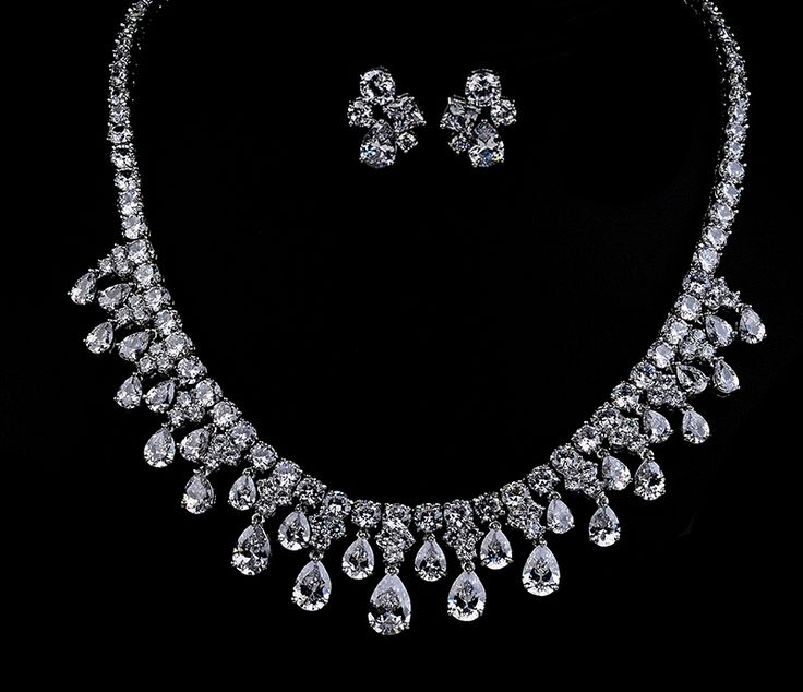 Astonishing Silver Wedding Necklace