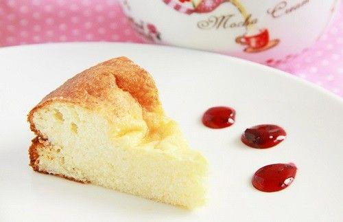 Нежная, воздушная творожная запеканка с ванилью. По желанию в нее можно добавить изюм, курагу, лимонную или апельсиновую цедру. Ингредиенты: 300 г обезжиренного…