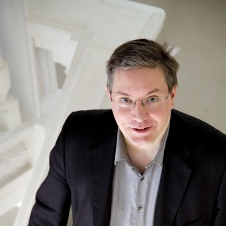 Julian Anderson on The Discovery of Heaven:      'It is a three movement work inspired by the novel of the same name by the Dutch writer Harry Mulisch.  Other influences on the piece include the music of Japanese Gagaku (or Court Music) which dates from 9th century AD, and the music of Janacek.'