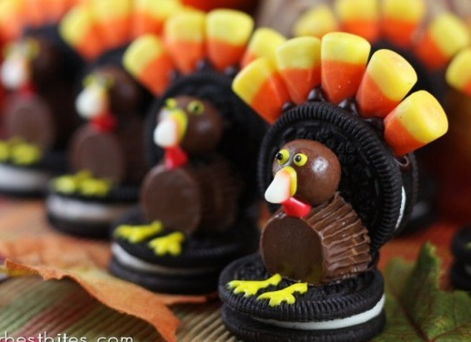 oh so cute for thanksgiving time. candy turkeys