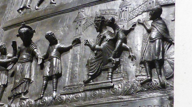 Die Bernwardstür: Erscheinung des Auferstandenen Christus, rechter Türflügel