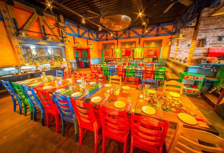 Restauracja amerykańska w segmencie casual, specjalizująca się w kuchni Tex-Mex. Tex Mex jest kuchnią pogranicza Teksasu i północnego Meksyku. Menu zawiera także wpływy kuchni Southwest – czyli południowego zachodu Stanów Zjednoczonych. Restauracja powstała w 1996 roku i od razu zyskała uznanie wśród gości, których większość stanowili ludzie biznesu -głównie ze USA - szukający nieformalnych przestrzeni z dobrą kuchnią. W ciągu dnia sale restuaracji świetnie nadają się na spotkania biznesowe…