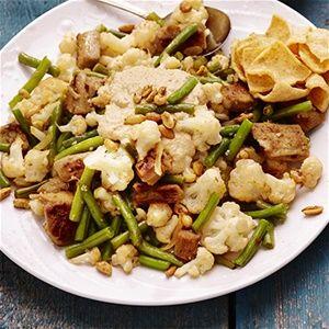 Surinaamse gado gado met vegetarische kipstukjes