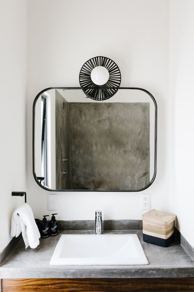 The Most Hygienic Thing You Can Do To Keep Your Bathroom Clean Plus Other Handy Cleaning Tips You Really Need To Know With Images Bathroom Cleaning Cleaning Hacks Bathroom Cleaning Hacks