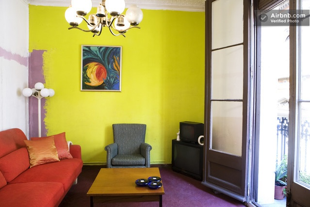 Cute Suite near the MACBA: Writing Desks, Single User, Double Bedrooms, Straight Friends, Small Rooms, Size Beds, Queens Size, Cleaning Beds, Spacious Bathroom