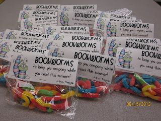 New Adventures in First Grade: Adorable end of the year gift--Bookworms!