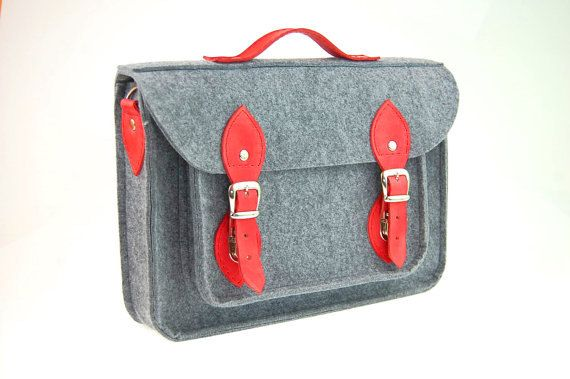 Hey, I found this really awesome Etsy listing at https://www.etsy.com/listing/160389472/felt-laptop-17-inch-bag-with-pocket