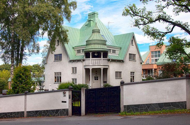 Skeppsholmen Fastighetsmäkleri Sotheby's International Realty - Jugendvilla centralt i Djursholm