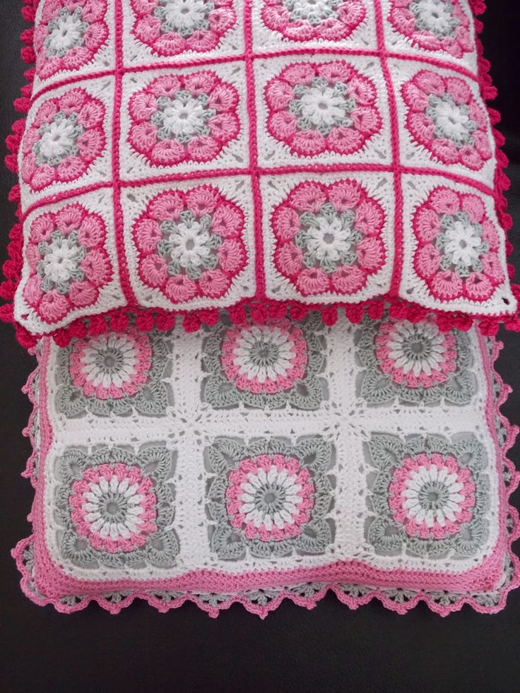Kussens (met link naar gratis patronen) / cushions (with link to free patterns)