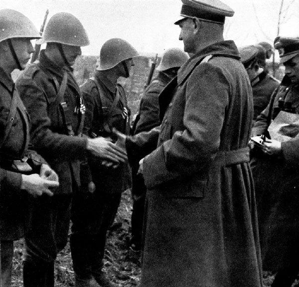 Romanian soldiers receiving the Iron Cross award-Odessa