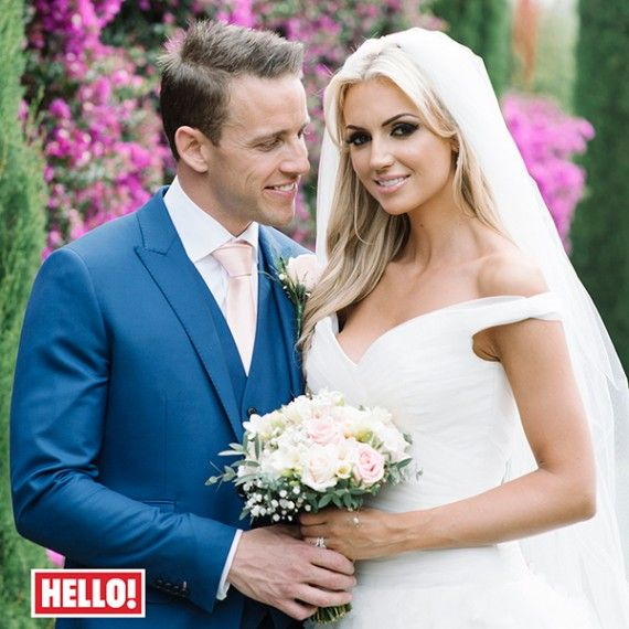 Chris De Burgh's daughter Rosanna Davison wearing our bespoke blush pink veil with scatter flowers. Dress by Stephanie Allin at Myrtle Ivory Bridal Couture , Dublin.