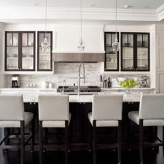 Love this contemporary kitchen~brown trim on cabinet and benjamin Moore OC-65 Chantilly Lace on molding and cabinets