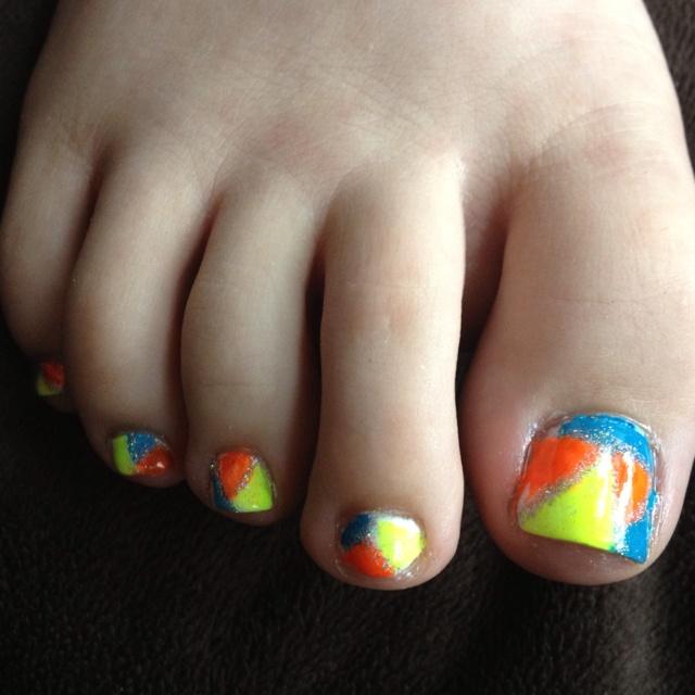 Best 25+ Neon Toe Nails Ideas On Pinterest