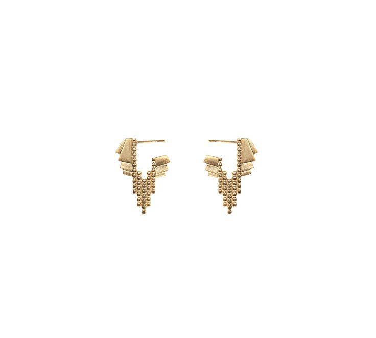 """Maria Black øreringen """"Chloe"""" i forgyldt sterling sølv. En smuk og klassisk Maria Black ørering, hvor kombinationen af cirkler og firkanter giver øreringen et unikt og cool design! #mariablack #mariablackchloe #smykker"""