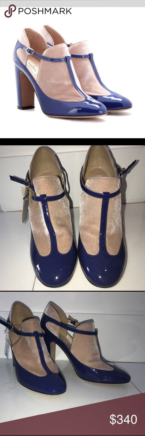 Blue Valentino shoes high heels Beautiful and very elegant Valentino shoes made in Italy. I bought it at Century 21 approx 8 months ago, but never worn it. It still has Tag from the store. It is 39 European size , I'm US 8,5 and it fits great. I bought it for 320+ ny tax. Will sell for 340$. Original price around $820. Please see pictures, bottom has some scratches I believe from trying at the store, but other that that it's brand new and in excellent condition. No bag or box, sorry…